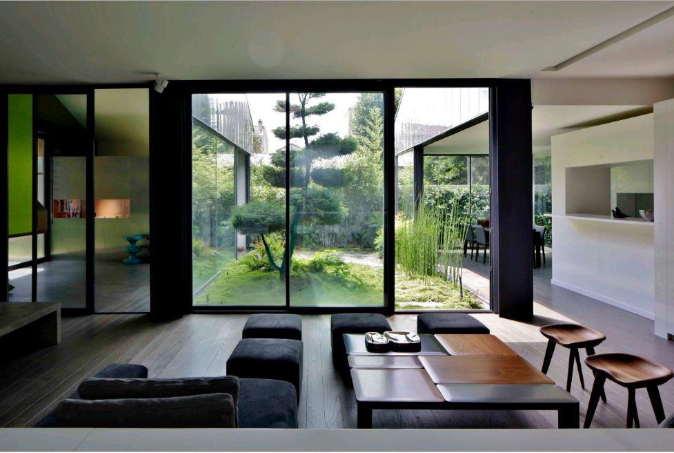 vườn trong nhà có thiết kế mở phòng khách liền bếp