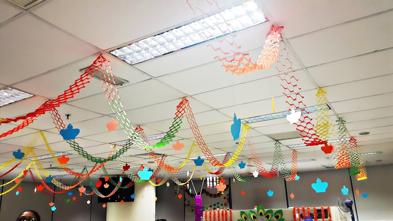 treo trần trang trí giáng sinh văn phòng