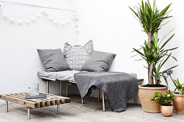 Phong cách nội thất Scandinavian nên chọn sàn gỗ màu sáng