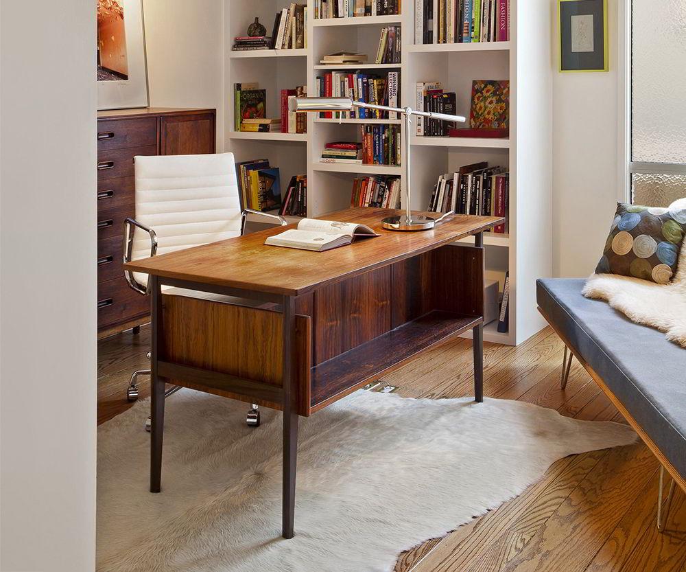 bàn gỗ làm việc phong cách cổ điển