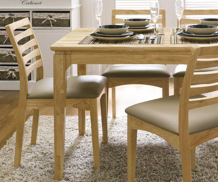 Bộ bàn ăn gia đình bằng ván cao su ghép