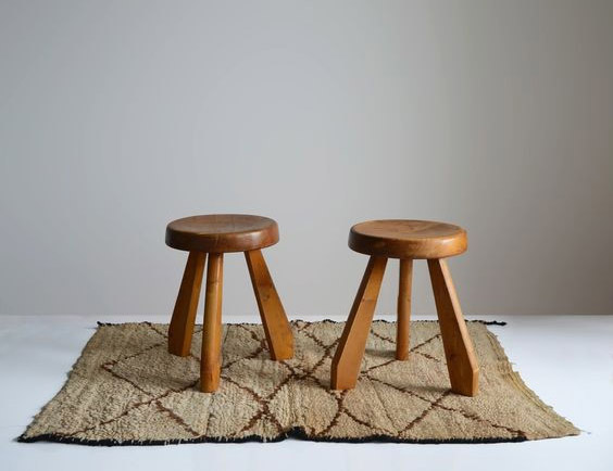 ghế gỗ thông