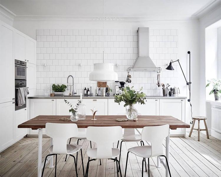 Bàn ghế ăn nhà bếp phong cách Bắc Âu