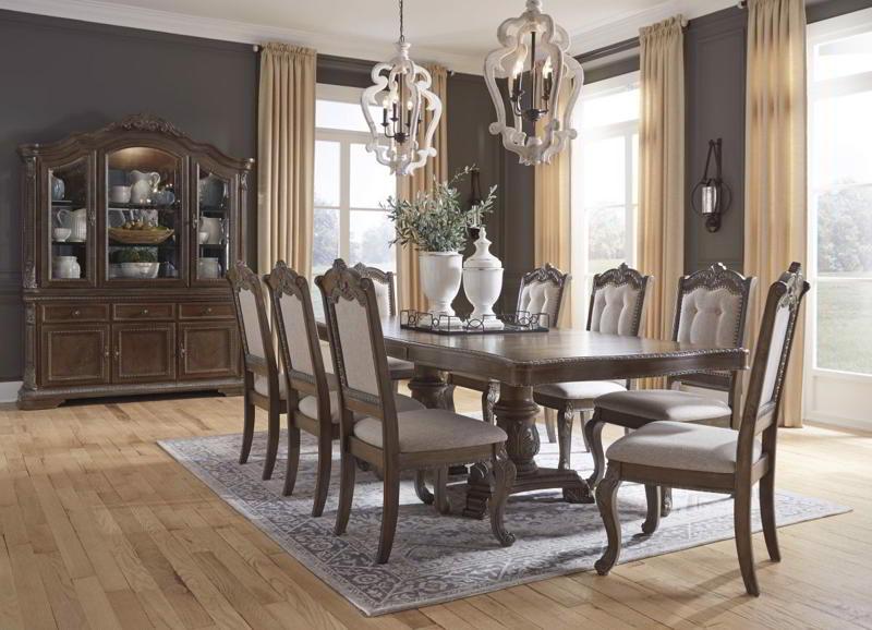 Bàn ghế ăn phong cách cổ điển