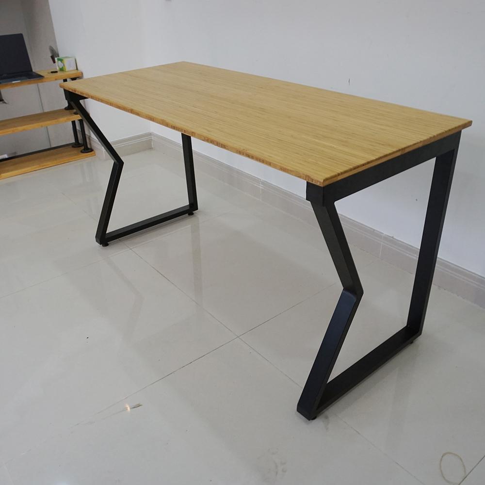 Bàn gỗ tre ép 70x140cm chân sắt chữ M