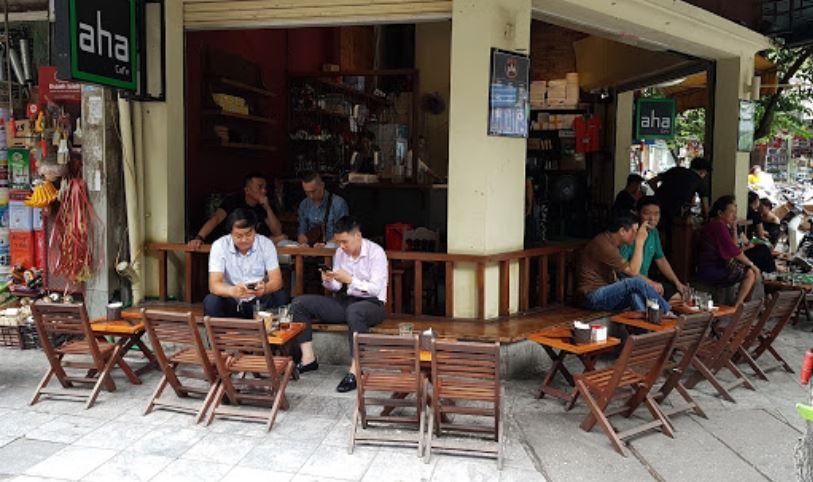Không gian quán cafe cóc