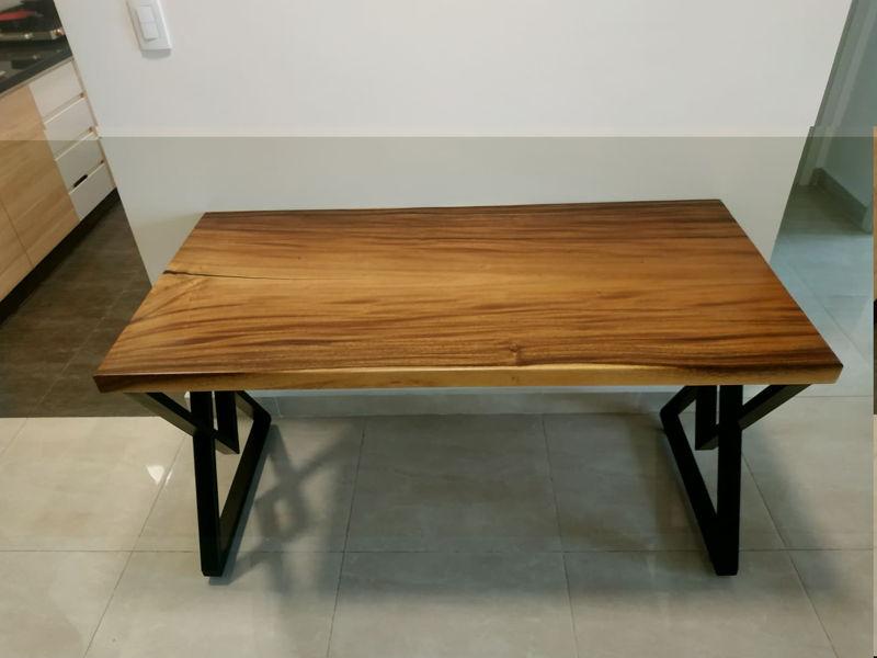 Bàn làm việc gỗ me tây 70x140cm chân sắt kim cương