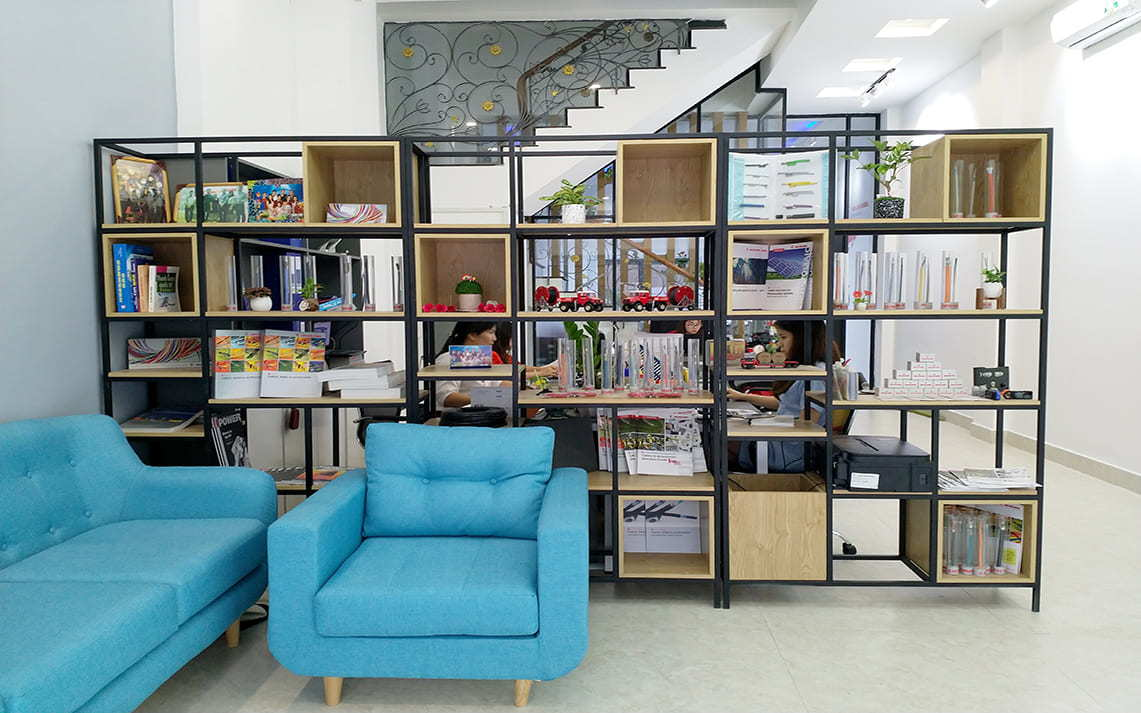 Privacy and independence in office furniture