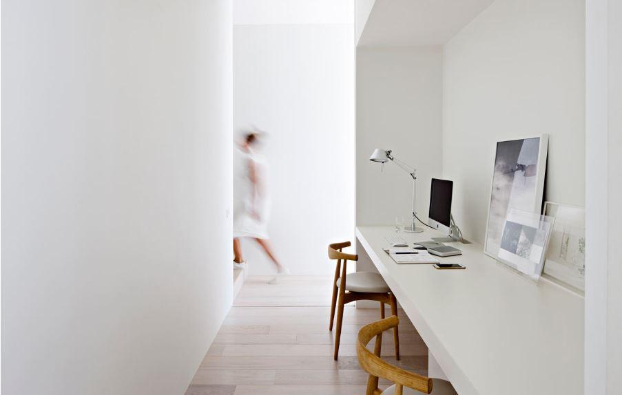 Tận dụng các khoảng liên thông trong nhà làm nơi làm việc