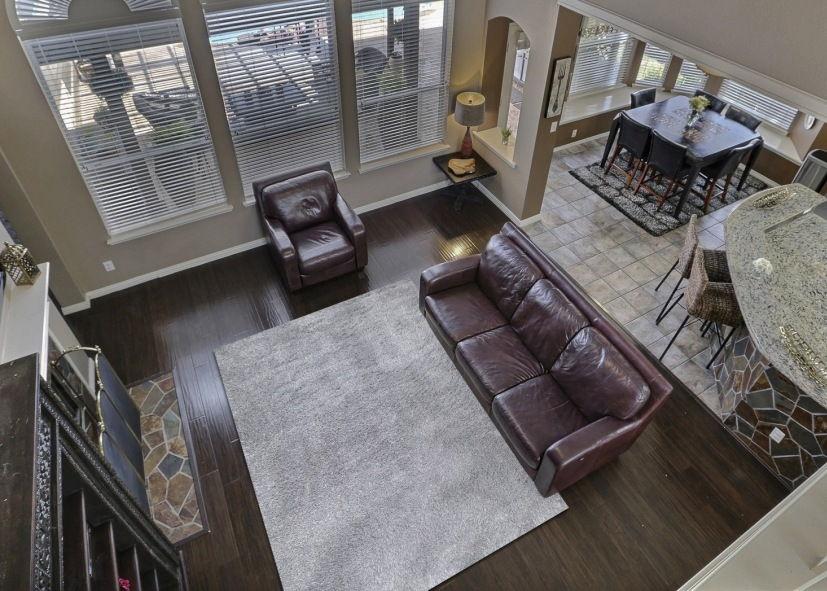 Mẫu thảm lông xù phòng khách xám