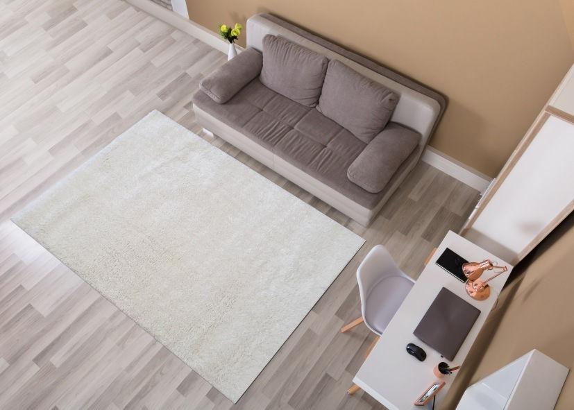 Thảm lông xù sofa phòng khách tông trắng
