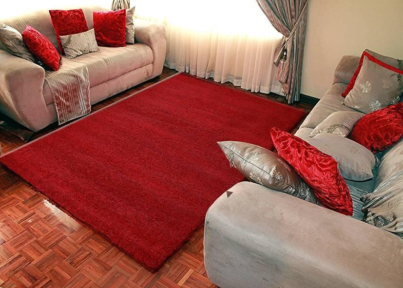 Thảm phòng khách màu đỏ