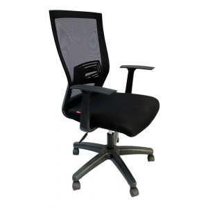 Ghế xoay màu đen, lưng cao có tay nhựa và 1 cần điều khiển HOM1011-02