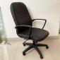 Ghế xoay văn phòng lưng nệm cao chân nhựa HOM1069-02