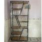 Kệ sách trang trí TRAP-SHELF gỗ cao su khung sắt KTB68044