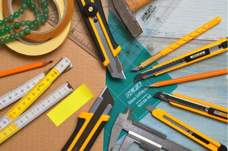 """Bộ sưu tập thước đo và dụng cụ đo mà thợ nghề xem như là vật """"bất ly thân"""""""