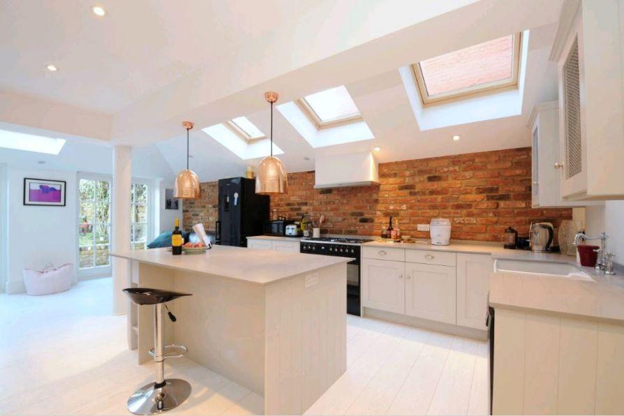 Mê mẩn với căn phòng bếp được trang trí bằng gạch nung ốp tường
