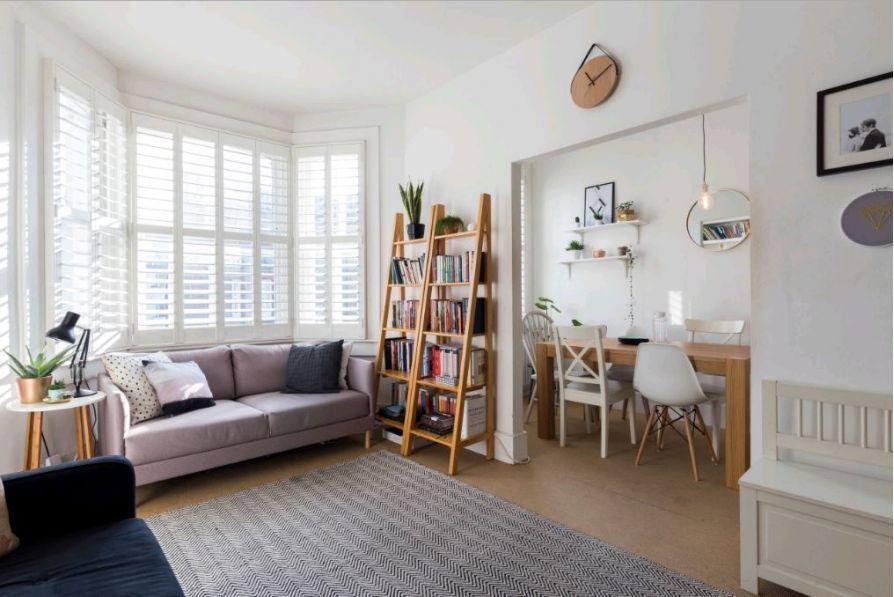 Top 10 mẫu kệ sách trang trí phòng khách có ý tưởng thiết kế độc đáo và thông minh