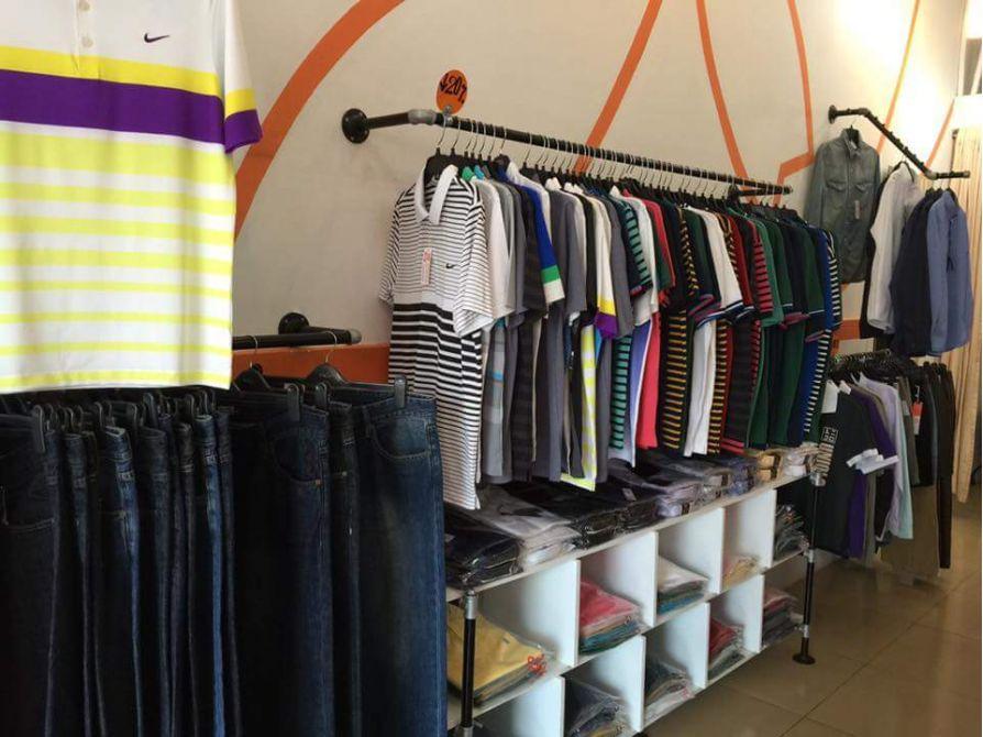 Shop thời trang bằng ống nước