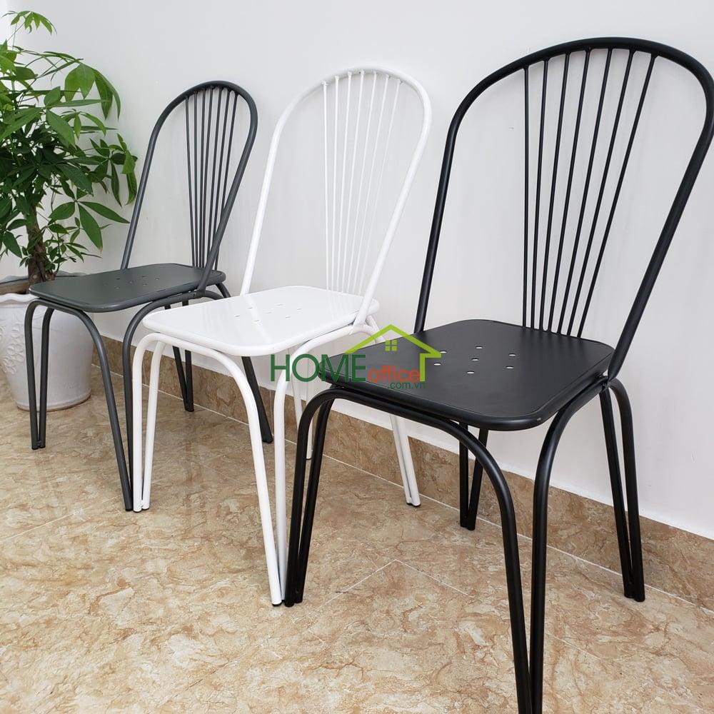 Ghế có màu trắng hoặc đen