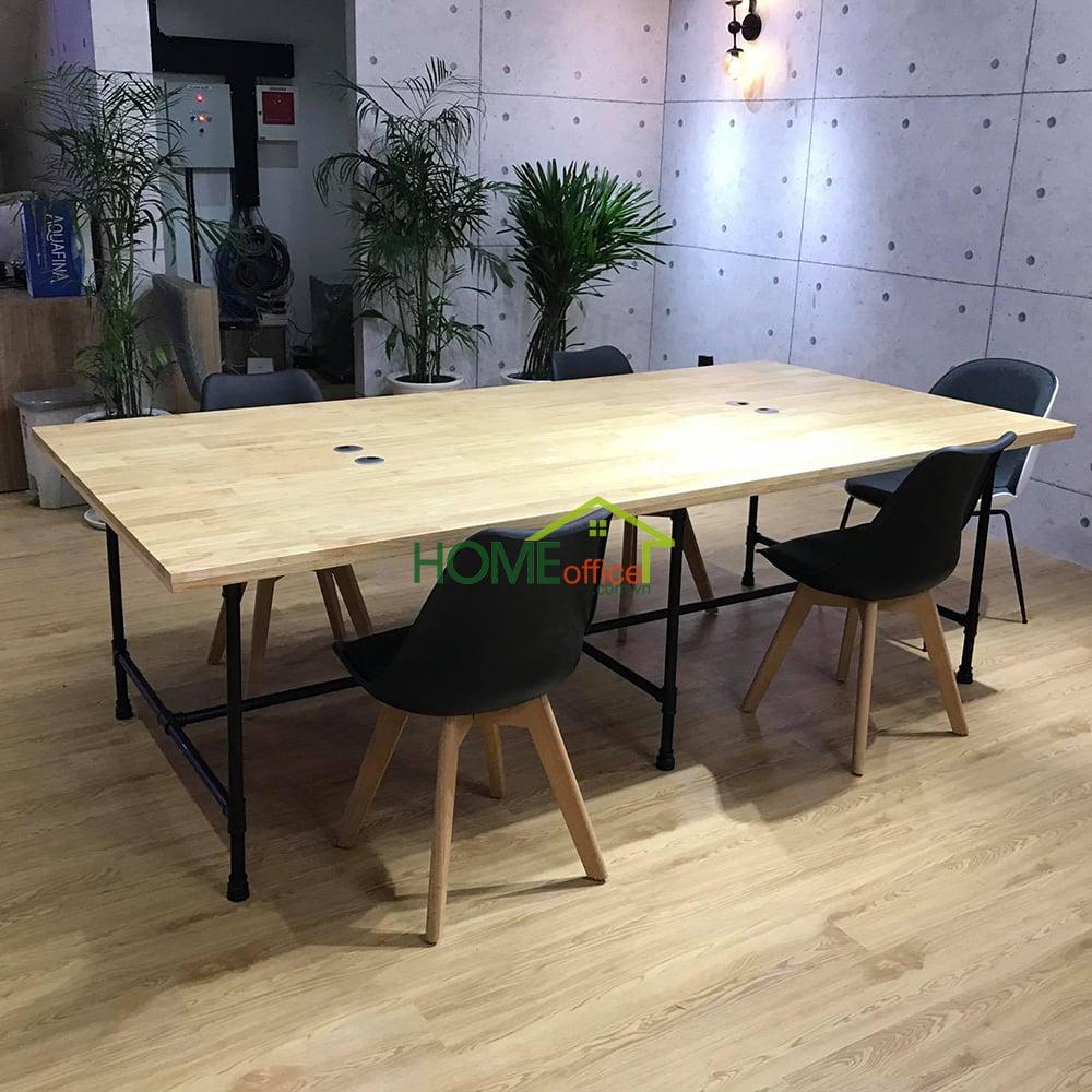 Mẫu bàn làm việc cụm 4 chỗ ngồi gỗ cao su chân ống nước