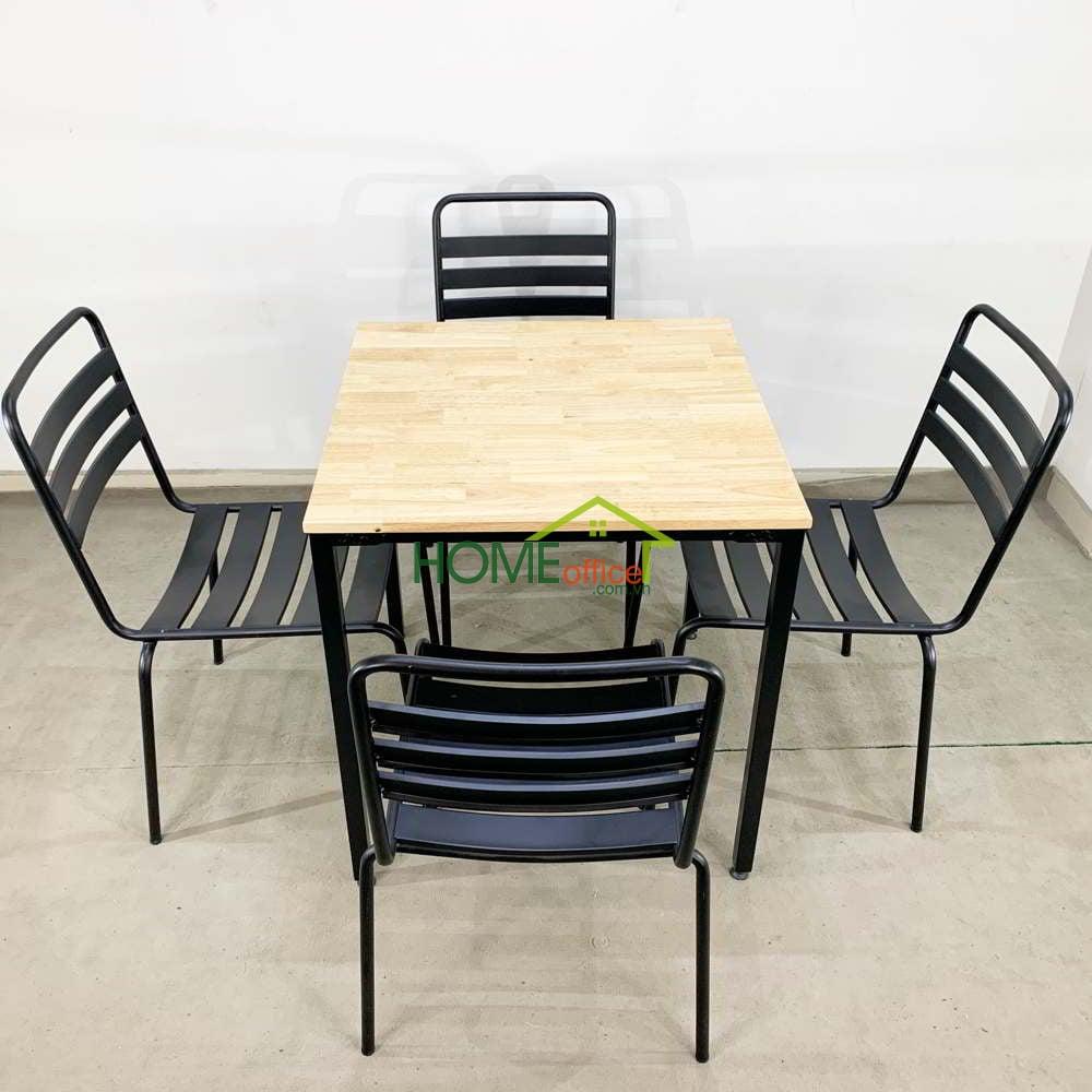 Bộ bàn Cafe gỗ cao su và 4 ghế sắt sơn tĩnh điện