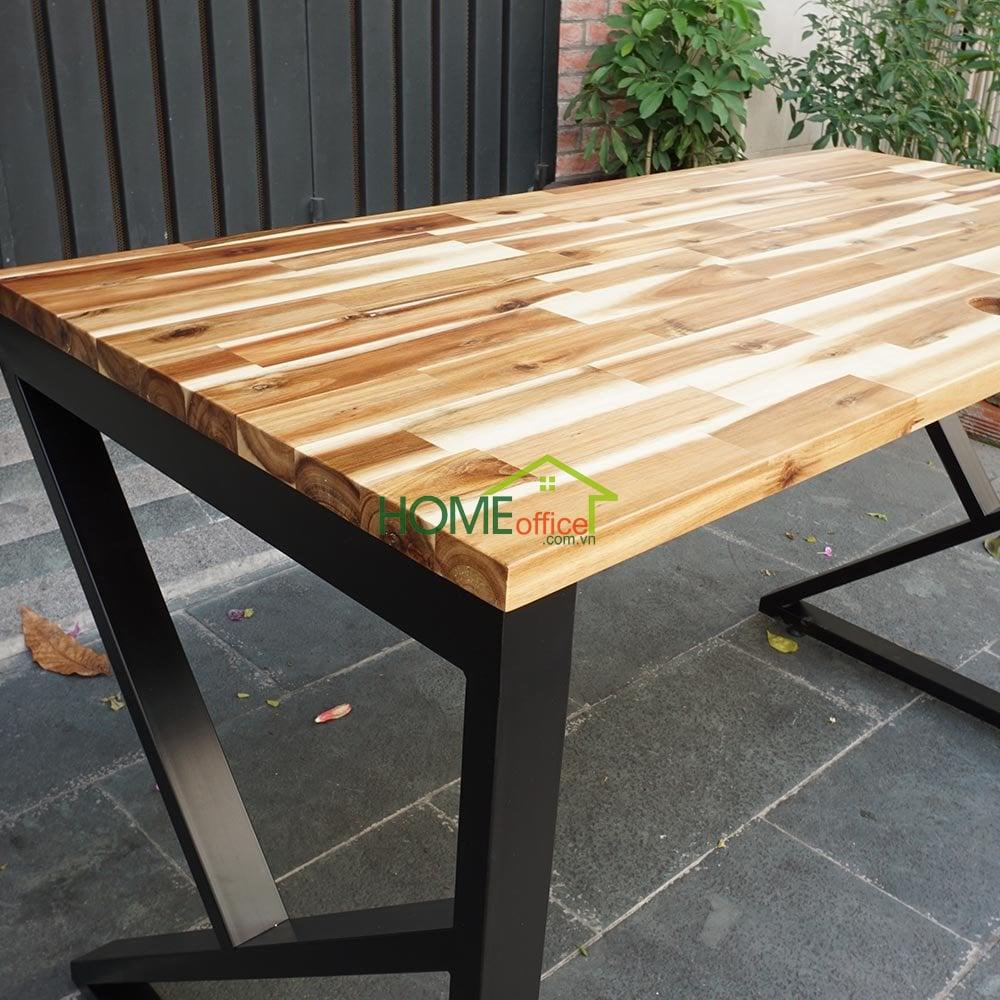 Bàn làm việc gỗ tràm chân sắt lắp ráp
