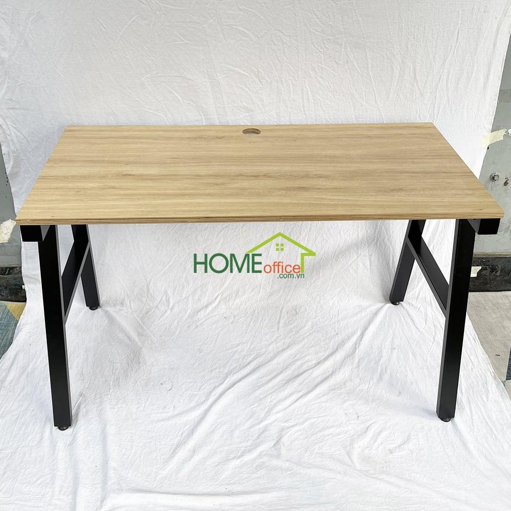 bàn làm việc mặt gỗ chân sắt lắp ráp